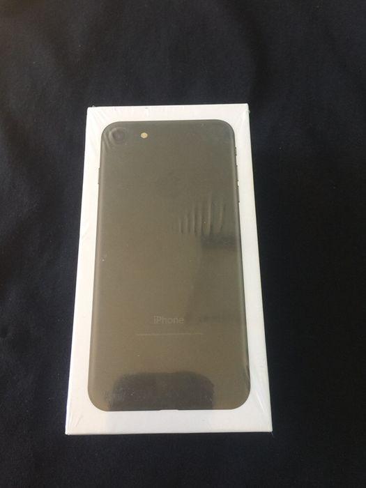 iphone 7 32GB novo na caixa selado com todos acessórios