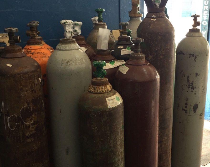 Vendo Garafa de Gas e oxigenio com Mangeiras, manometro e Bicos