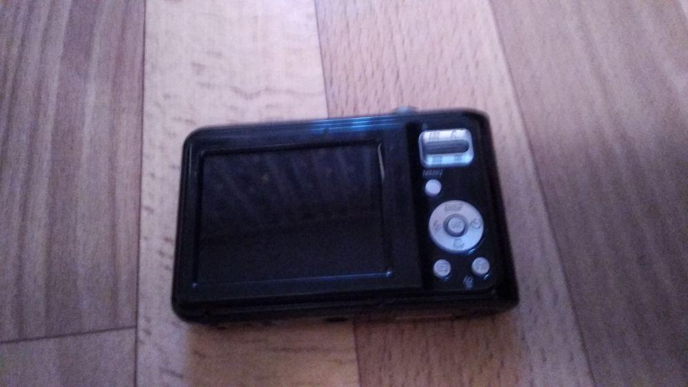 Цыфровой фотоаппарат Самсунг