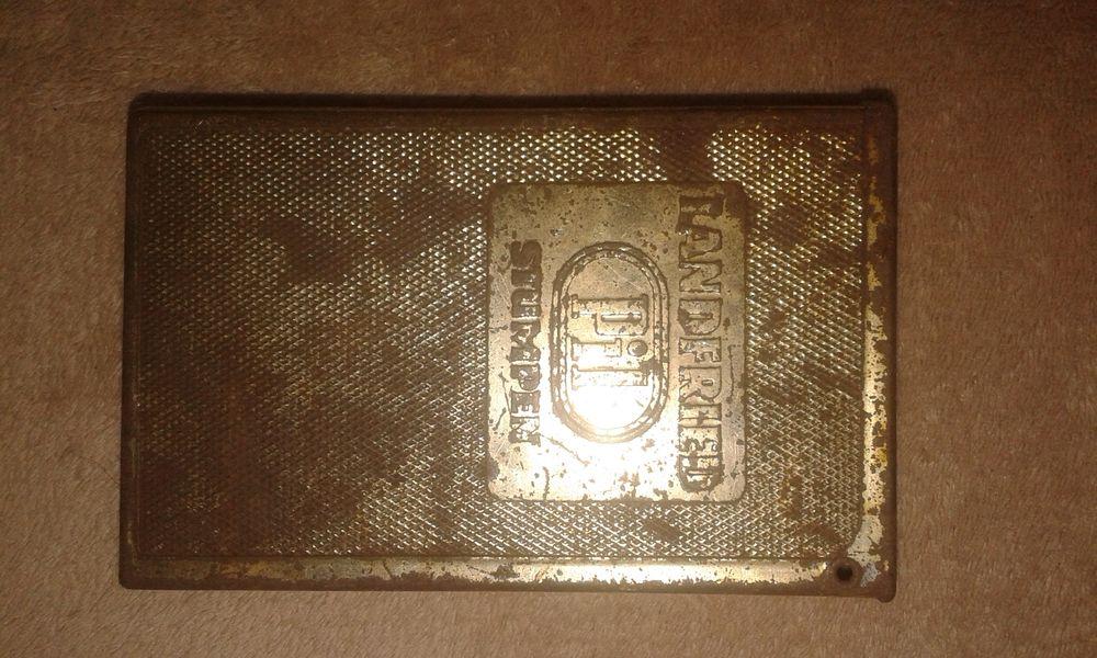 Стара метална немска кутия за цигари PIL