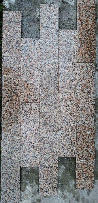 Pardoseli granit