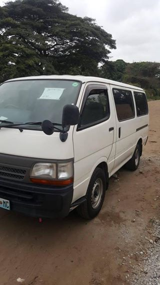 toyota mini bus 5l 4wd