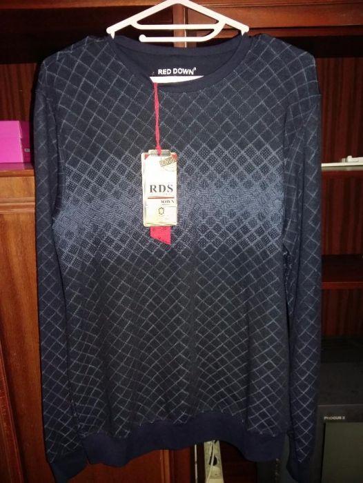 продаю мужской свитер и футболку