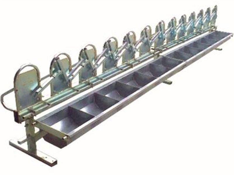 Комплект Хранилка с Ключалки за 4-8-12 кози или овце