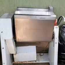 Maquina eléctrica de massar a massa de pão