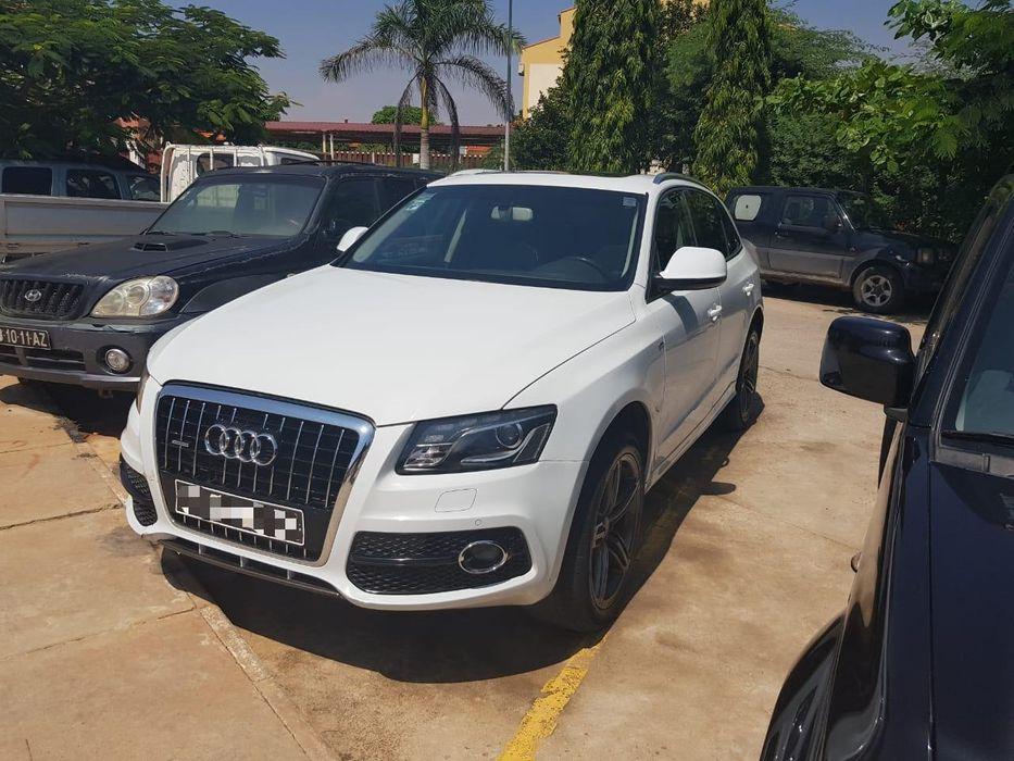 Audi Q5 S line a bom preço impecável.