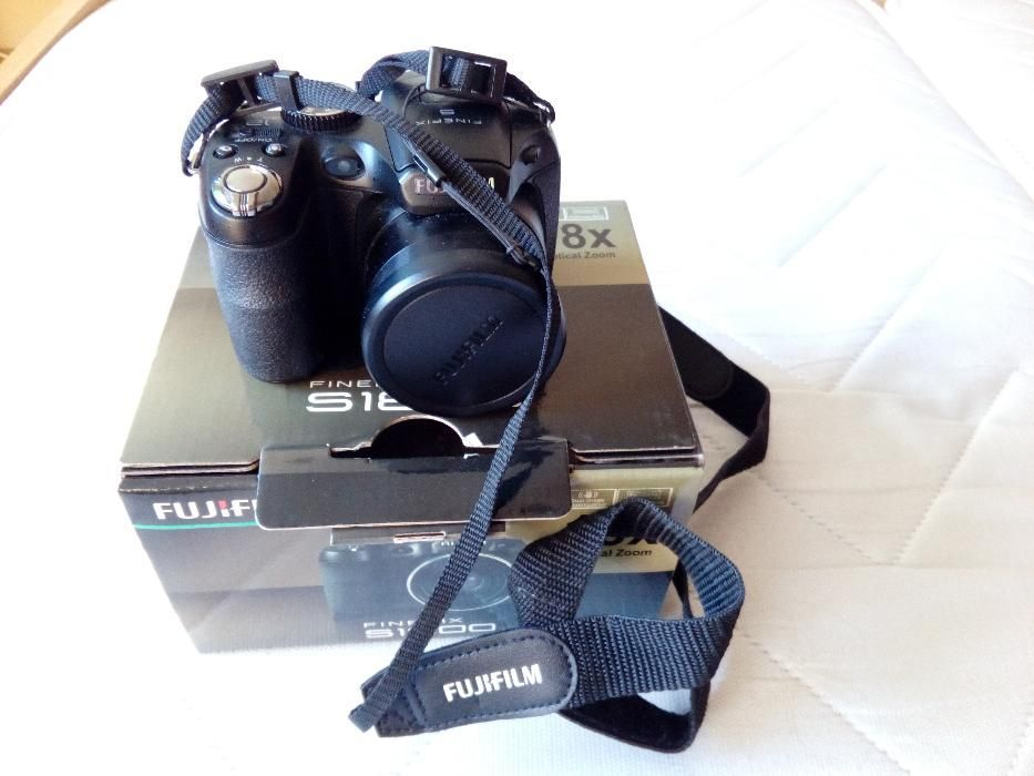 Fujifilm finepix s 1800