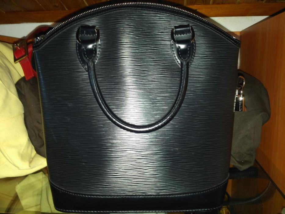 Оригинална черна кожена чанта Louis Vuitton Lockit Epi leather