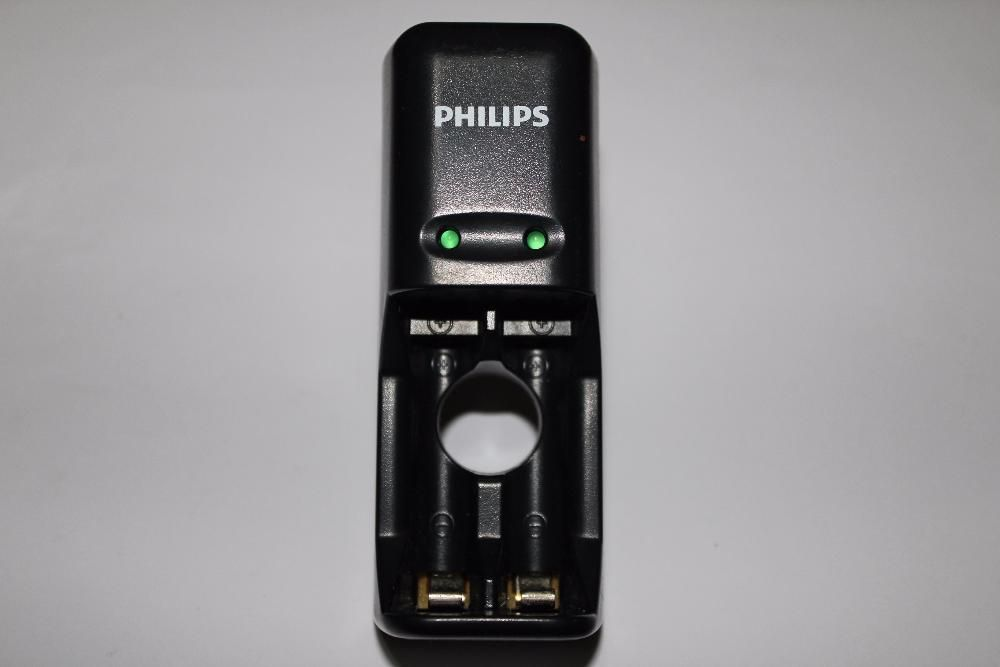 Incarcator acumulatori AA si AAA Philips