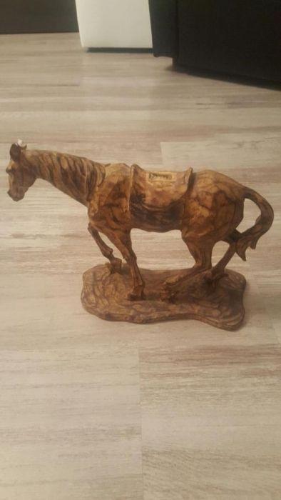 Statueta cal foarte frumos detaliata