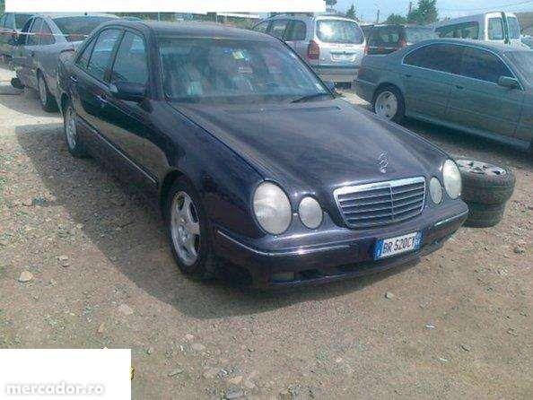 Dezmembrez Mercedes E270 Cdi An 2002