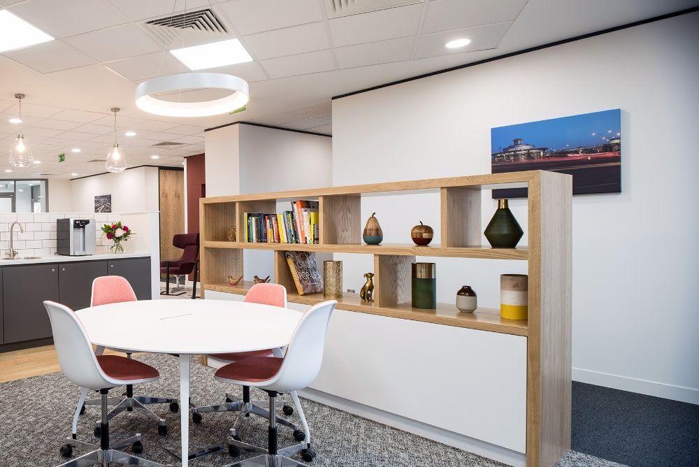 Trabalhe no nosso Business Lounge em todo o mundo, em Beira, Machado