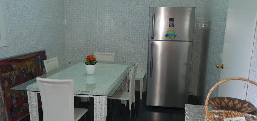 Arrendase flat t4 na polana rua Kassuende esquina com a Julius Nyerere Bairro - imagem 7