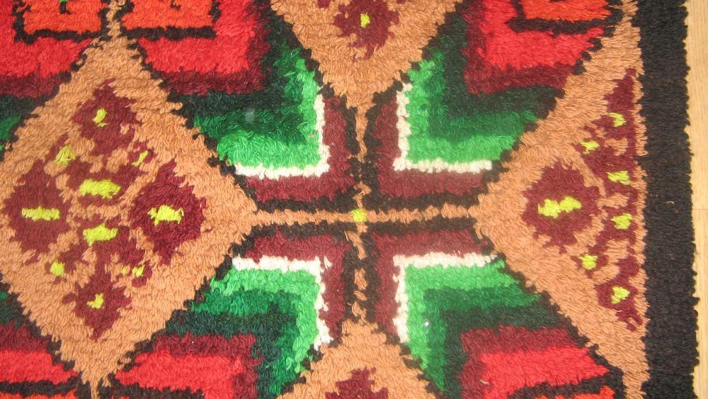 Китеник (губер) от 100% вълна с идеално запазени цветове