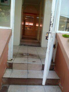 Vendo Alta vivenda T3 com 3 anexos na Malhangalene.APROVEITE Bairro Central - imagem 7