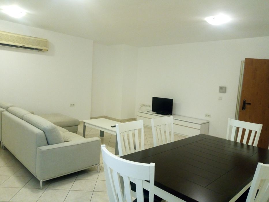 Arrenda Se Apartamento T2 Aluvade 3 Andar Predio Novo Ja Com Tudo