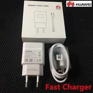 """Carregador Huawei quick charme original com entrada """"USB- Type C"""""""