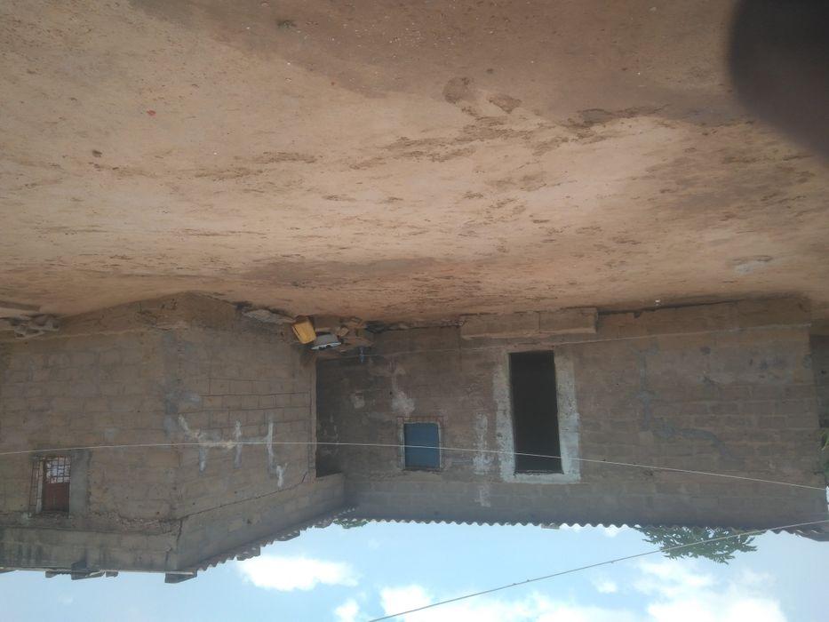 Vende se está casa no Golf2 bairro Maria Eugênia Neto