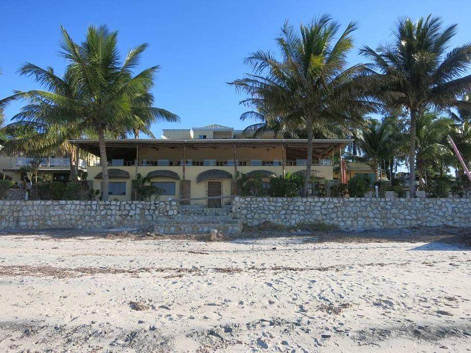 Vendo Resort ÂNCORA Luxuoso Em Vilankulos frente a Praia