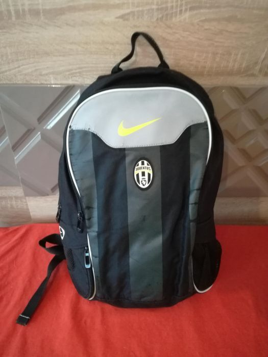 Спортна футбол фенска раница Nike Juventus