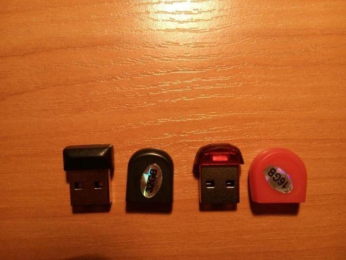 Флашки черни,червени -4ГБ, 8ГБ ,16ГБ,32ГБ