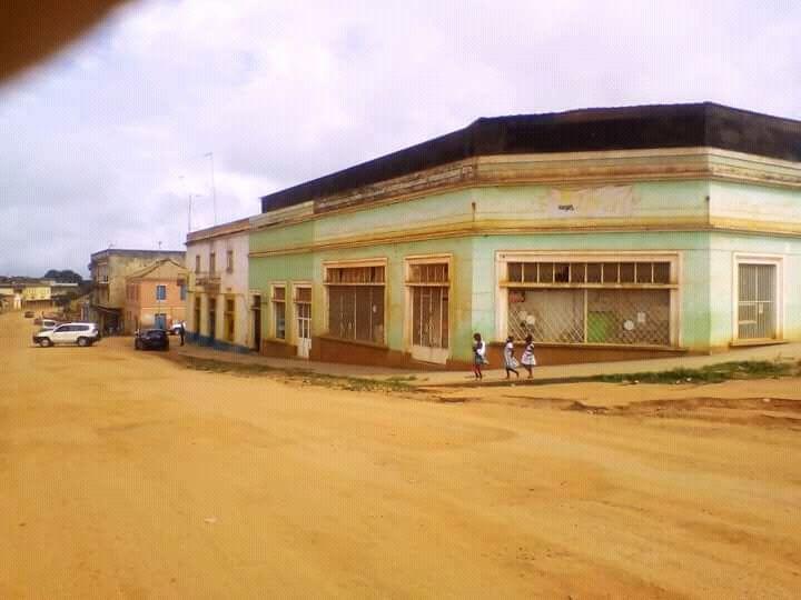 Vende-se uma Loja na cidade da Gabela, Cuanza Sul