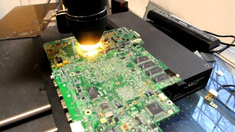 reparatii laptop / monitoare / tv
