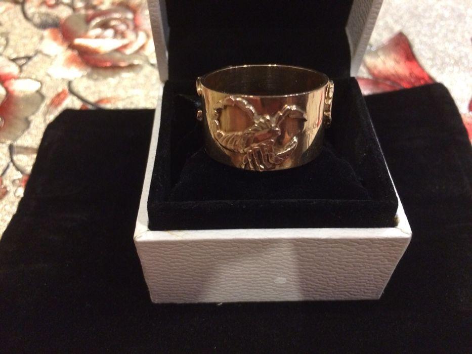Мужское золотое кольцо « Скорпион»