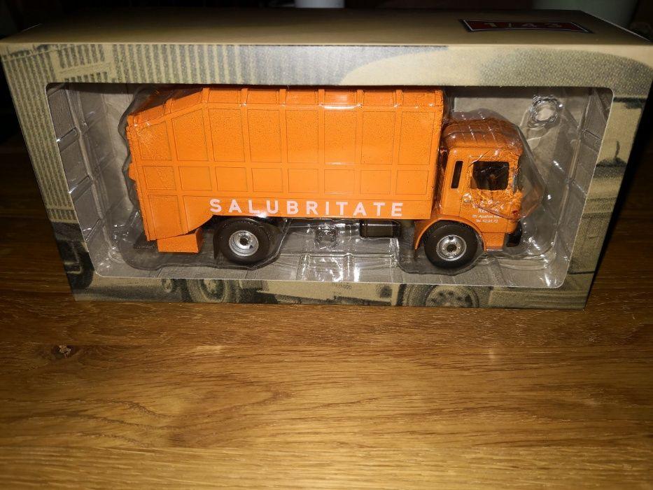 Se vinde machetă camion roman diesel Salubritate