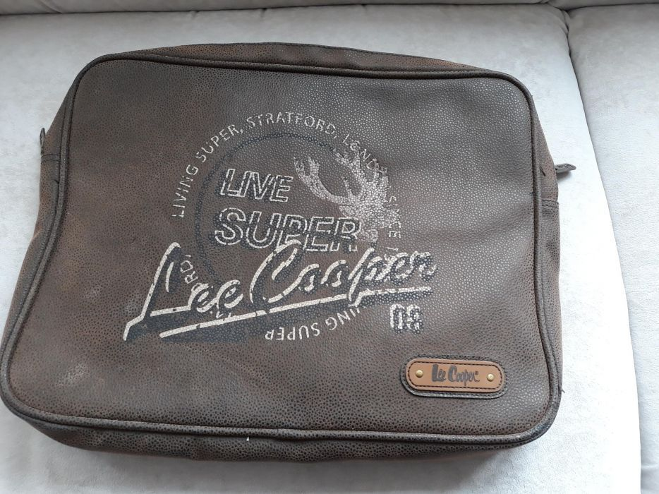 Кожена чанта Lee Cooper