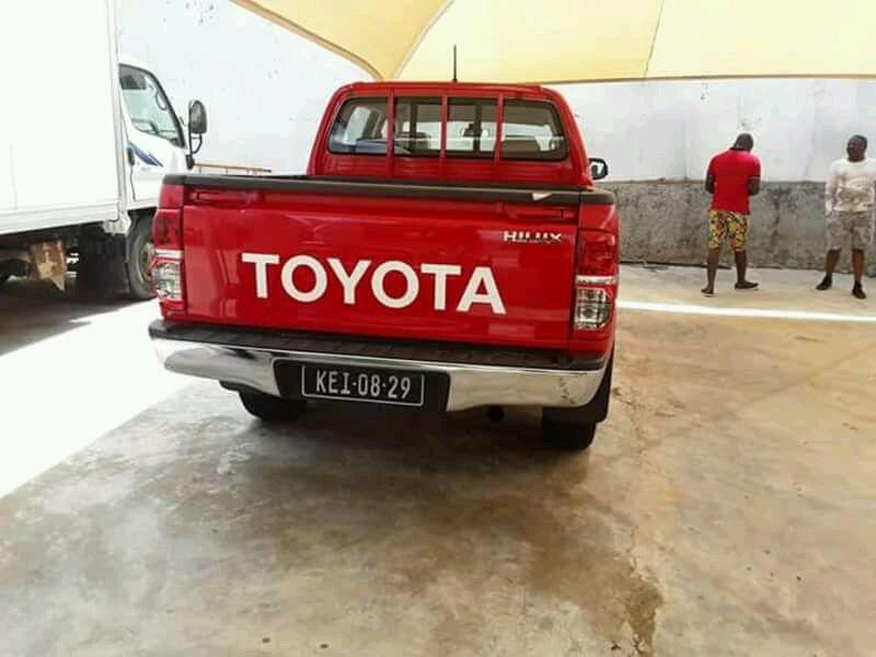 Vendo viatura de marca toyota hilux Ingombota - imagem 2