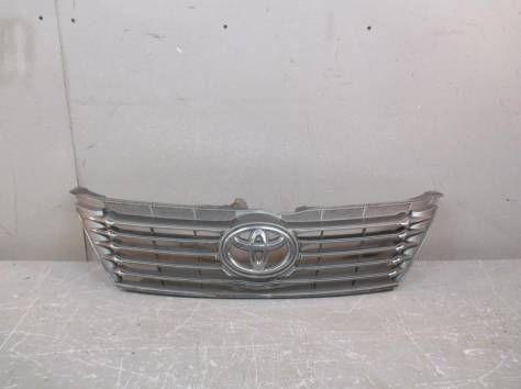 Решотка/ решетка радиатора на Тойота Камри/ Camry 50