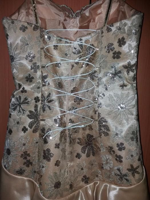 Vand rochie de ocazie UNICAT deosebita crem-aurie cu paiete