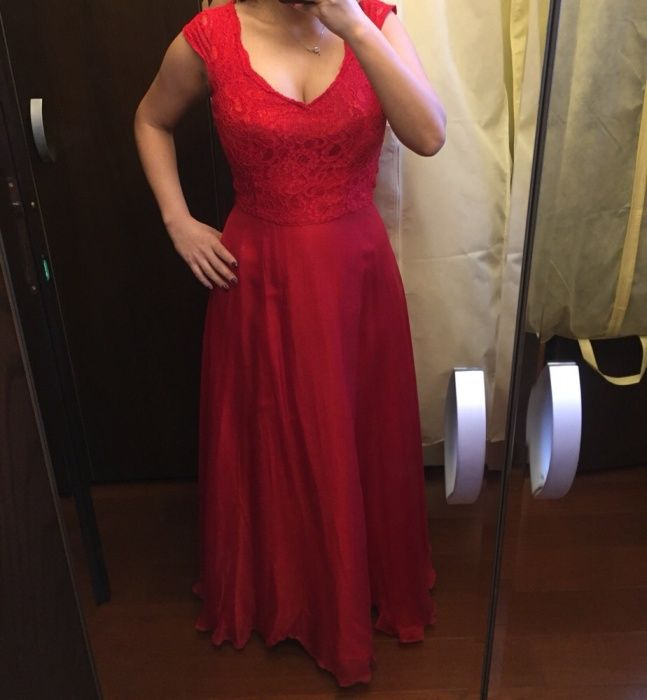 Rochie roșie,mărimea S-M