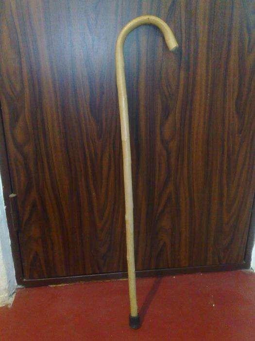 Baston,bastoane lemn alb,curbate,sect.3 Non-Stop,zona Vitan-Zizin