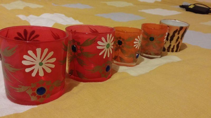 Свещници чаши, богато инкрустирани, различни размери