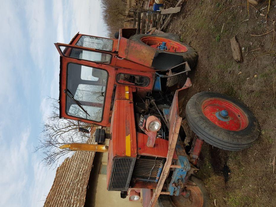 Vînd tractor U 650.