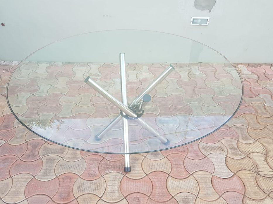 Vendo mesa redonda de vidro 10 lugares