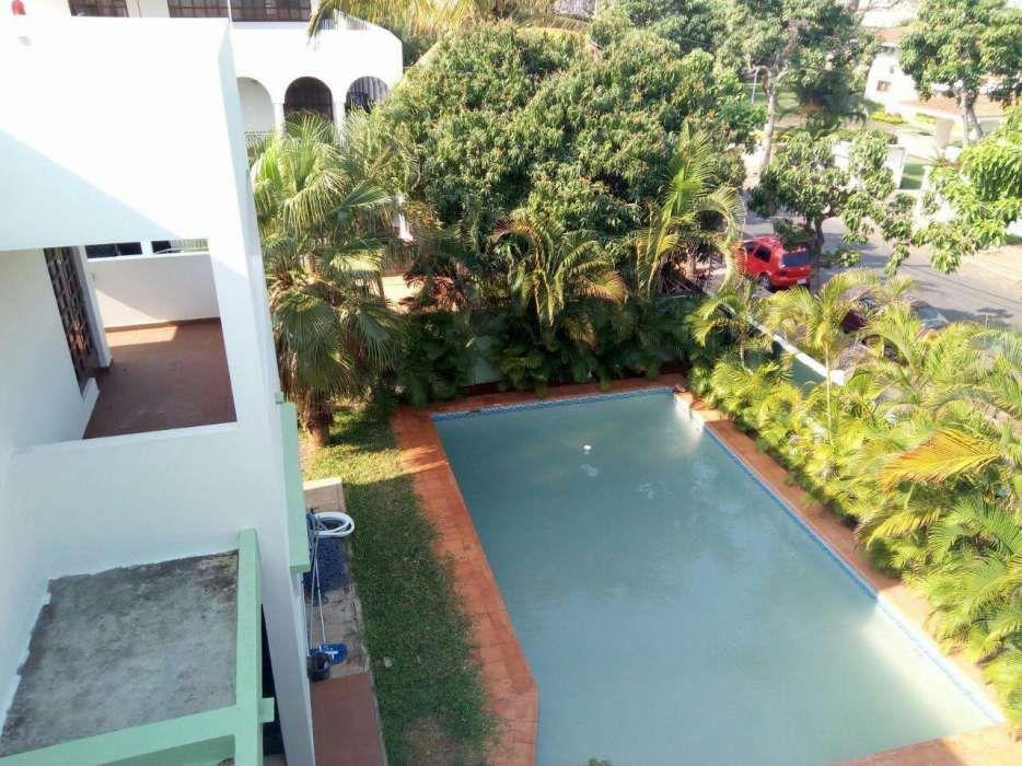 luxuosa vivenda localizada na AV. Armando Tivane