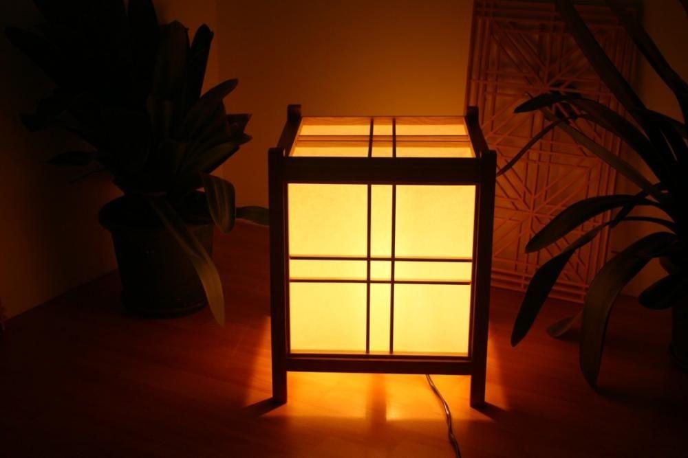 Lampadar / veioza stil japonez lucrat manual