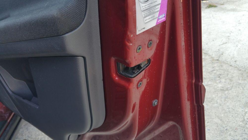 Incuietoare usi fata spate Volvo V50 Model 2004-2012 + piese sh V50