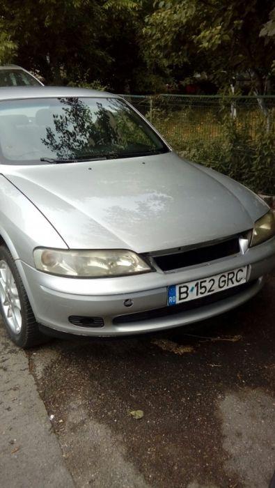 Dezmembrez Opel Vectra b