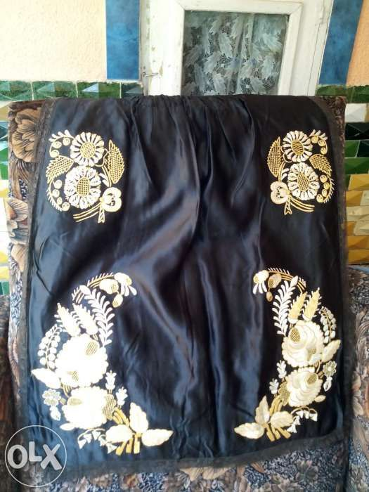 Vand costume taranesti vechi de 100 ani