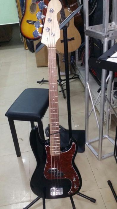 Guitarra baixo de 4 corda