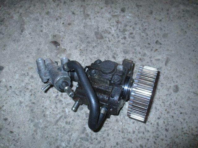 Pompa injectie inalta motorina Opel Zafira B Astra H motor 1,9 CDTI