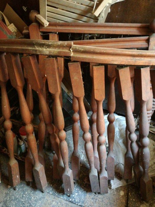 Дървен парапет от балустри
