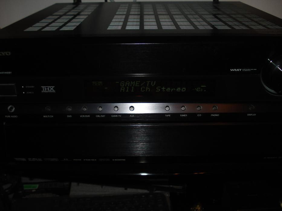 Vand Receiver audio video marca Onkyo TXSR806