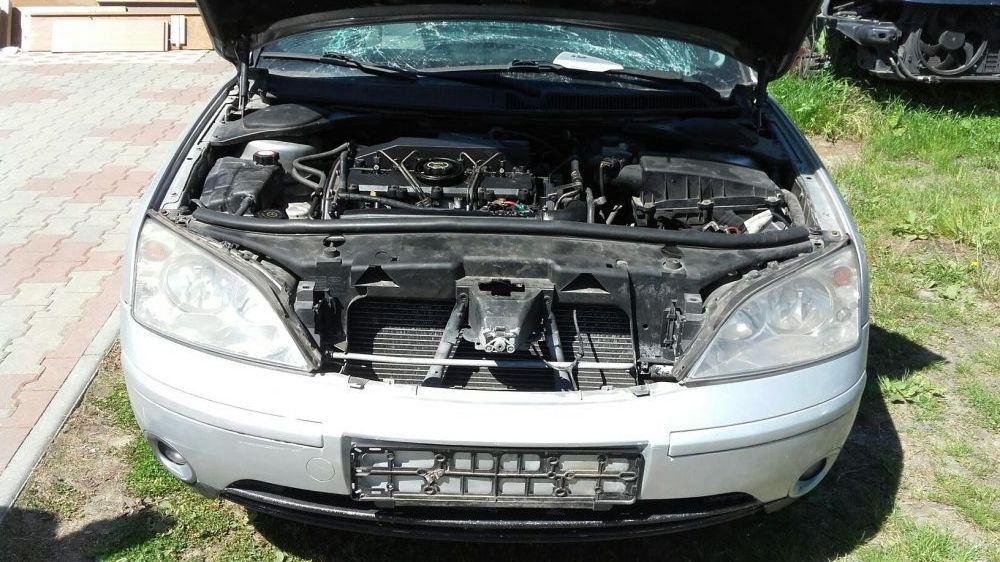 Dezmembrez Ford Mondeo 2.0 tddi motor pompa cutie injectoare turbo