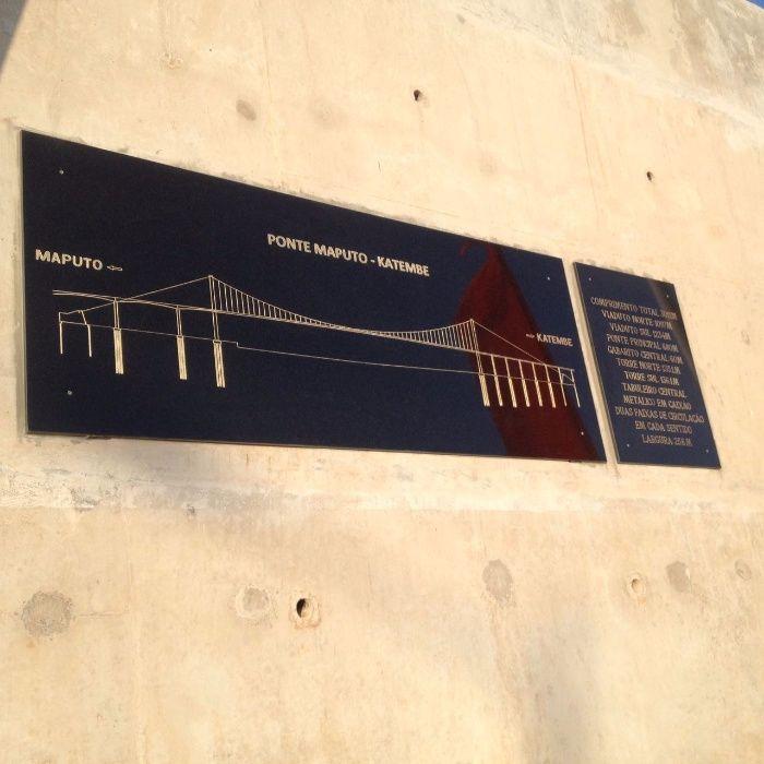 Lápides - Placas de Inauguração