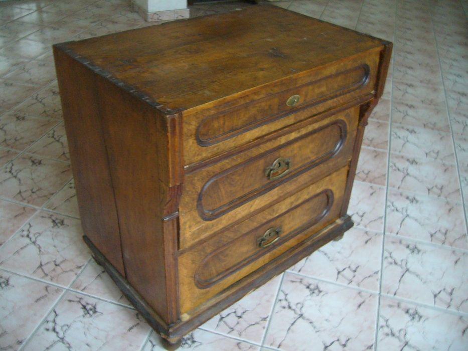 Старинно скринче
